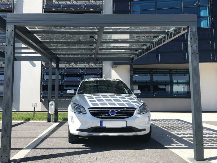 Carport - zadaszenie parkingowe z paneli fotowoltaicznych w ML System